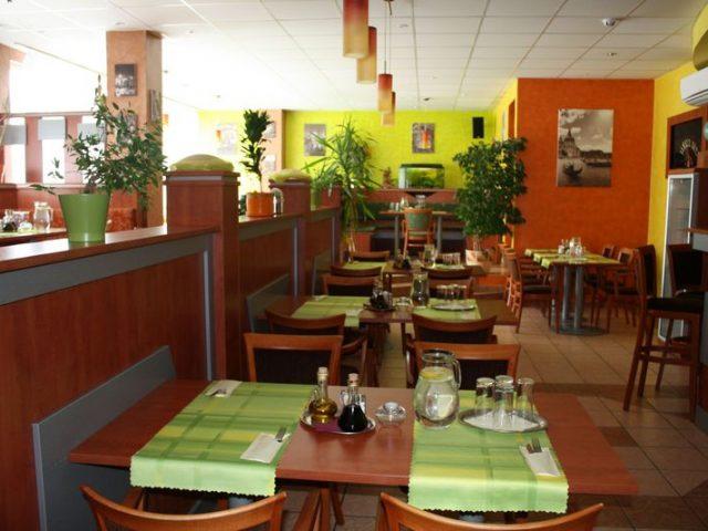 Cosmopolitan Café & Restaurant